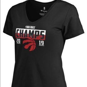 🔥2/$20 🛍️ NWT Fanatics Women Raptors Champs Tee